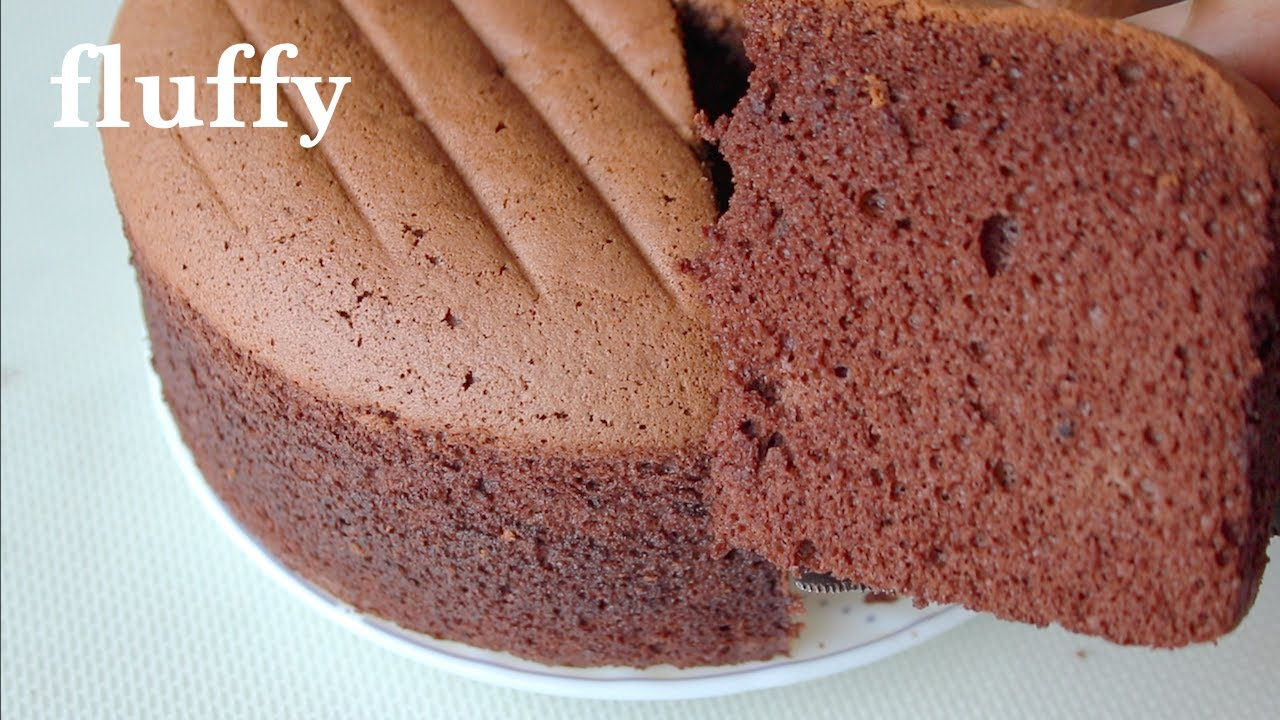 How To Make A Light And Fluffy Chocolate Sponge Cake