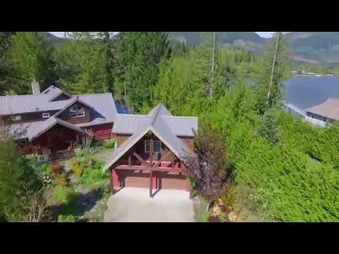 Luxury Lakefront Home on Lake Cowichan