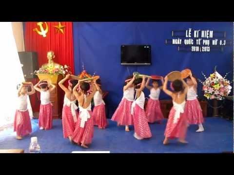 mầm non Việt Thắng Múa Cái bống lớp 5 tuổi A Mừng 8/3