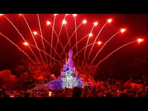 Disneyland Paris Illumination & Fireworks Display (Park Closing Ceremony)