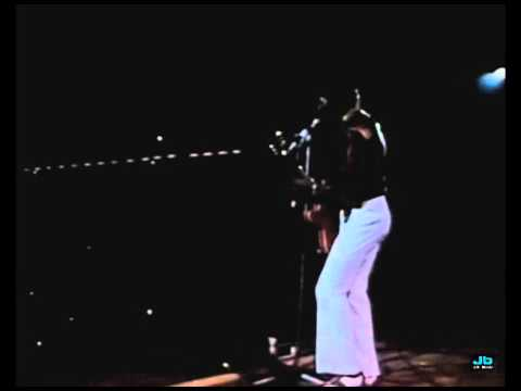 Chuck Berry - Memphis Tennessee (The London Rock N Roll Show, Wembley Stadium   Aug  5, 1972)