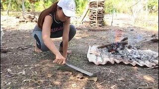 Fish And Cooking - Amazing girl electricity fishing GIANT
