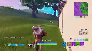 TheHezz- Fortnite Messing around becuz im a bot