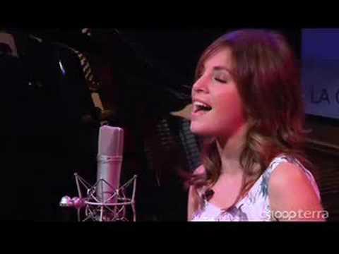 """Leire Martínez nos canta """"Jueves"""""""