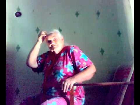 Видео: Бабуля хиккана обещает спалить бороду