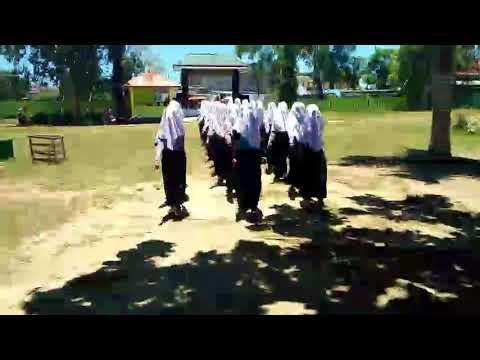 Latihan Baris  Berbaris SMPN 5 Namlea Buru