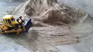 RC tractor  dozer ACTION  Nice R/C construction machines at work!
