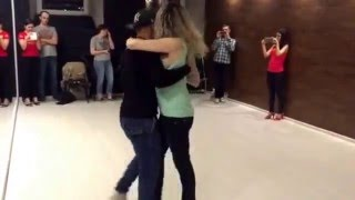 Тиаго и Алёна - урок кизомбы. Март 2016(Урок кизомбы. Преподаватель Тиаго Мендес и Алена Фортунова Видео уроки танцев от школы Spicy Salsa. Spicy Salsa: http://www..., 2016-04-01T06:54:01.000Z)