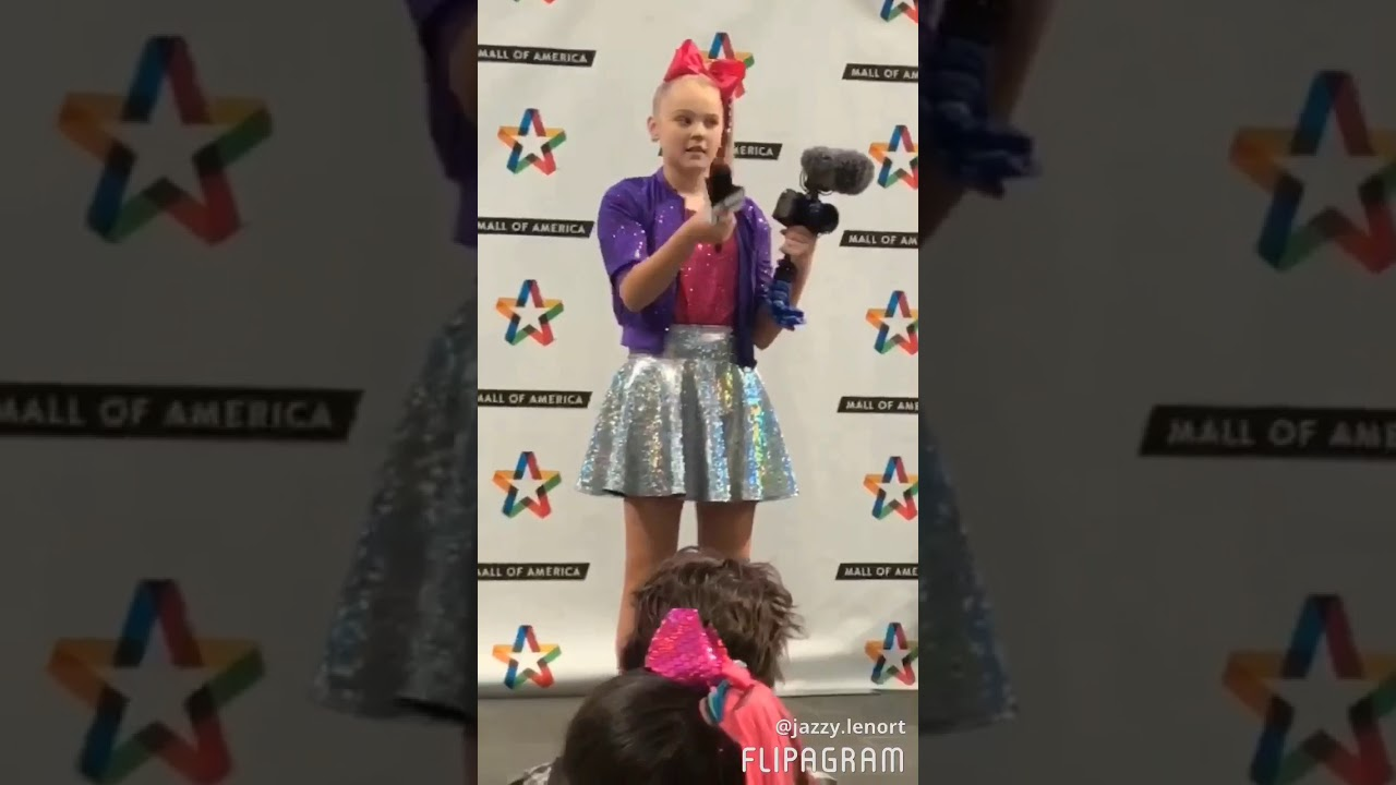 Jojo siwa book signing at mall of america 2017 youtube jojo siwa book signing at mall of america 2017 kristyandbryce Image collections