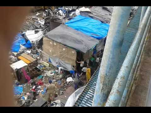 department-demolishing-illegal-house-near-bandra-station-east---2