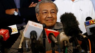 Malaysia chooses world's oldest leader
