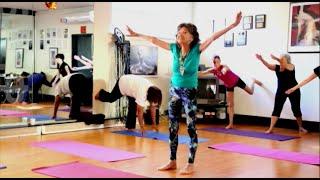97-летняя преподавательница йоги