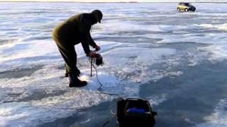 видео Электрический ледобур с аккумулятором