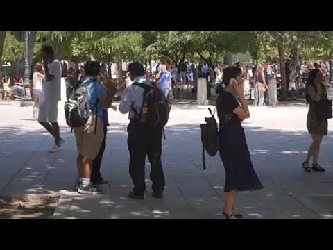Sismos abalam Atenas e fazem dois feridos
