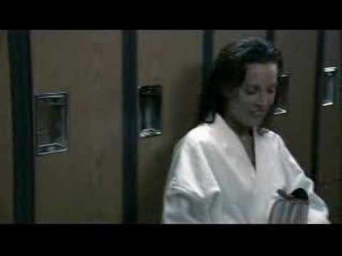 TLW S01E02 Dana & Lara First Kiss