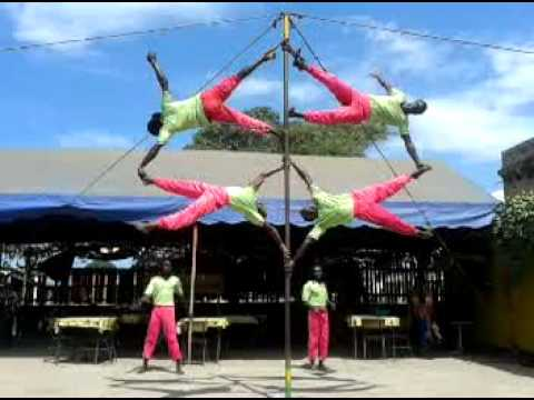 Senior Kenya Acrobat