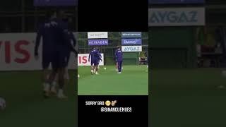 Mesut Özil, Sinan Gümüş'e acımadı! O anları sosyal medya hesabından paylaştı...