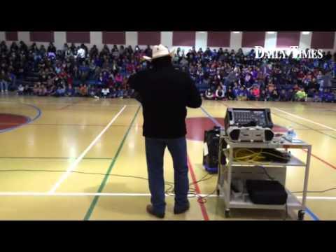 Joe Tohonnie Jr. sings for a crowd at Ojo Amarillo Elementary School in Fruitland. #apache