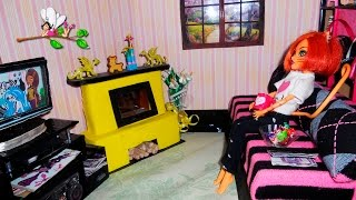 РУМБОКС ГОСТИНАЯ/ ДОМ ДЛЯ КУКОЛ (вставляем окно, меняем обои и строим отсек для вещей)(Как вставить окно в кукольном домике и поклеить обои. Как достроить отсек для вещей к кукольному дому-книжк..., 2016-03-26T11:19:51.000Z)