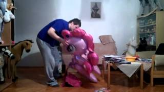 mylar airwalker balloon inflation with helium pinky pie pony horse part one