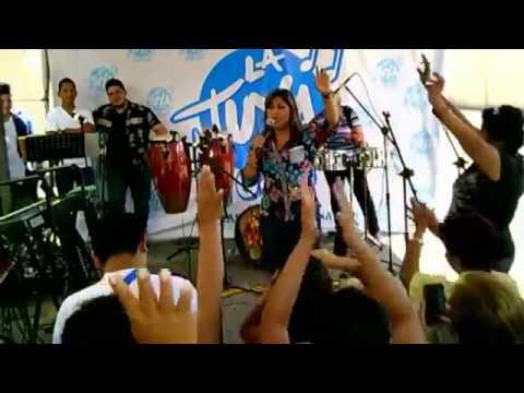 MARIA DE LOS ANGELES en la RADIO LA TUYA (  GUAYAQUIL  )