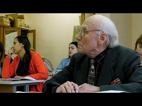عجوز روسي يعود إلى مقاعد الدراسة في عمر التسعين  - نشر قبل 3 ساعة