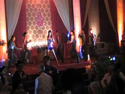 LINNY CHAY FEAT ROYAL DANCE MANDARIN DISCO SONG Bu ru tiau wu.
