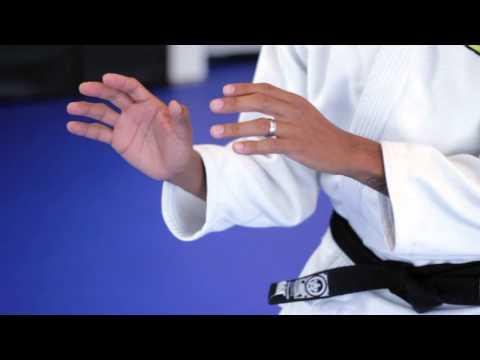 What Is the First Basic Fighting Stance in Jiu-Jitsu?