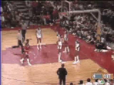 Michael Jordan amazing driving bank shot vs L.A. Clippers - NBA Regular Season 1984/85