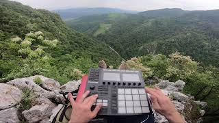 Finger drumming on a ridge-line / Jazzy Vibes