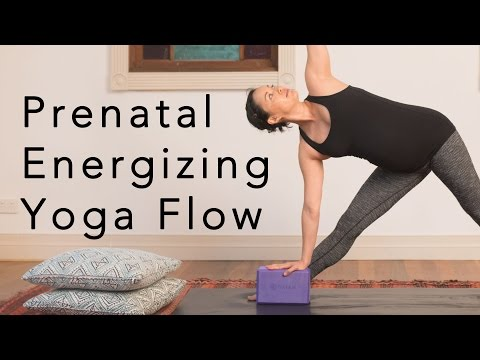 Prenatal Energizing Yoga Flow - 25min