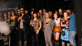 03 Heart Is A Beating Drum - The Kills. Glastonbury 2011.
