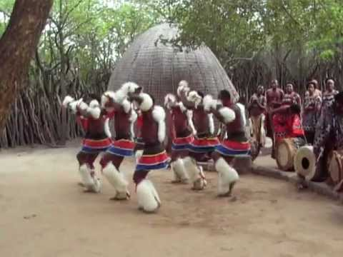 TRADITIONAL SWAZI DANCE