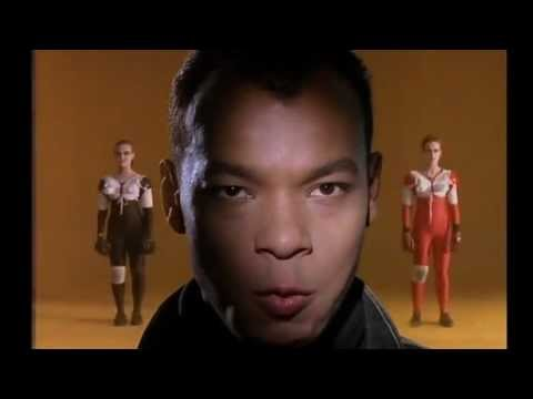 Fine Young Cannibals - She Drives Me Crazy (1989)