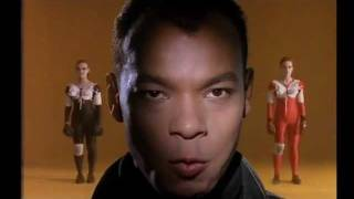 Watch Fine Young Cannibals She Drives Me Crazy video