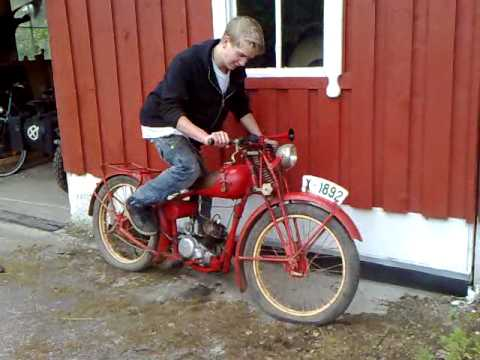 Dürkopp M12,1938 Model is started for the first time during restoration by Johannes.
