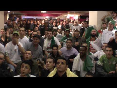 Algerie 1 - 0 Egypte Les Supporters se dechainent a la brioche sheperds bush london