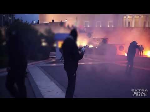 Protestors VS Cops: Molotov Cocktail Edition