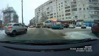 Отъехал с обочины в бочину. Архангельск.