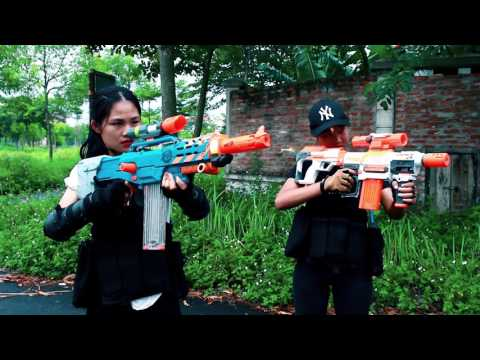 Thumbnail: Superhero action Spiderman Lady & Super Girl Nerf guns Zombies bite S.W.A.T Rescue people Nerf war