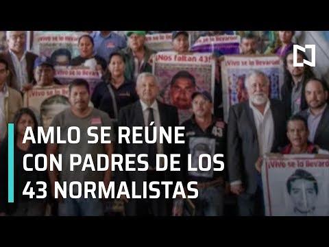 AMLO se reúne con padres de normalistas desaparecidos - Noticias con Karla Iberia