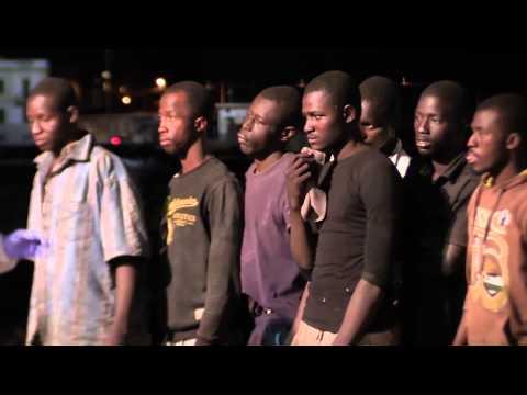 Da un mercantile sbarcano a Reggio Calabria 233 migranti