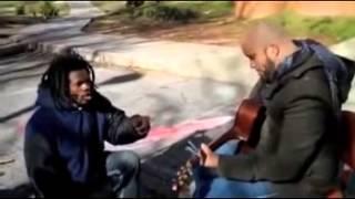 se cuela vagabundo en su videoclip cantando reegge   flipante como se canta