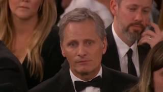 Repeat youtube video Os discursos contra Trump de Meryl Streep e Hugh Laurie nos Globos de Ouro 2017