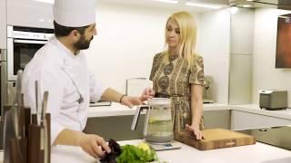 Яна Рудковская готовит простой завтрак с шеф-поваром Бруно