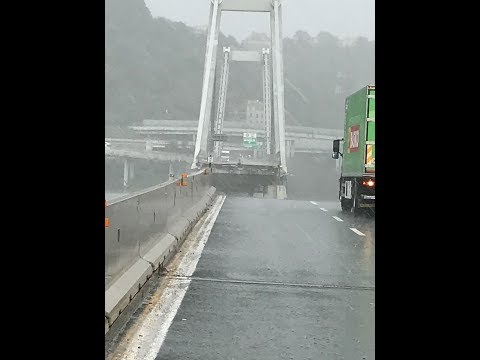 Ponte Genova A10, il momento del crollo, IMMAGINI LIVE