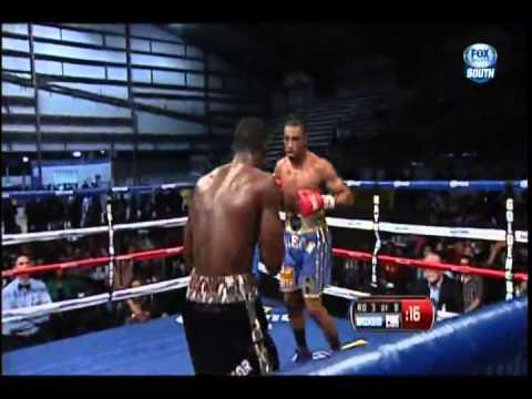 2012 11 03 J'Leon Love vs Tyrone Selders