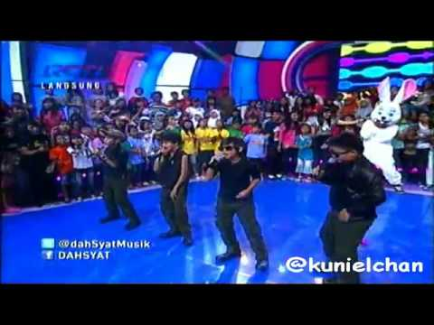 Coboy Junior - One Less Lonely Girl at Dahsyat