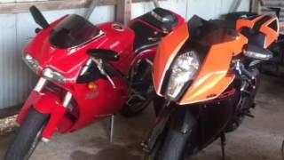 Ducati v KTM style