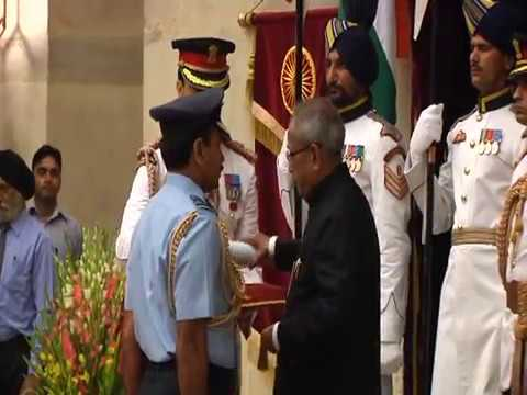 PRESIDENT OF INDIA PRESENTS GALLANTRY AWARDS - PART - I - 27-4-13